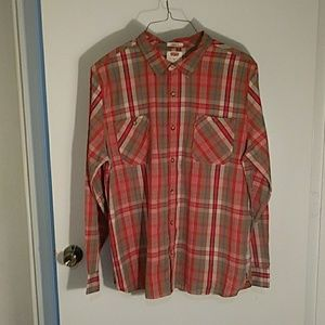 Levis Shirt Standard Fit.